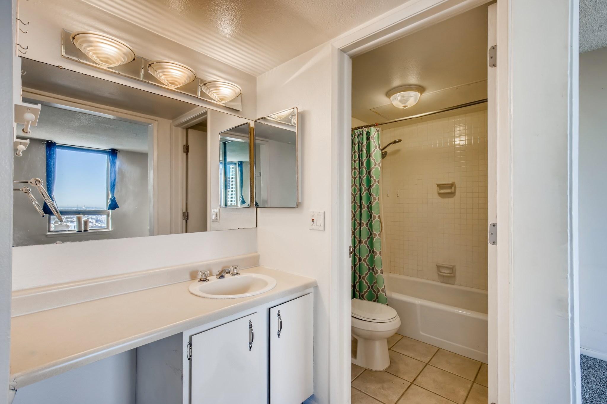 15-Primary-Bathroom