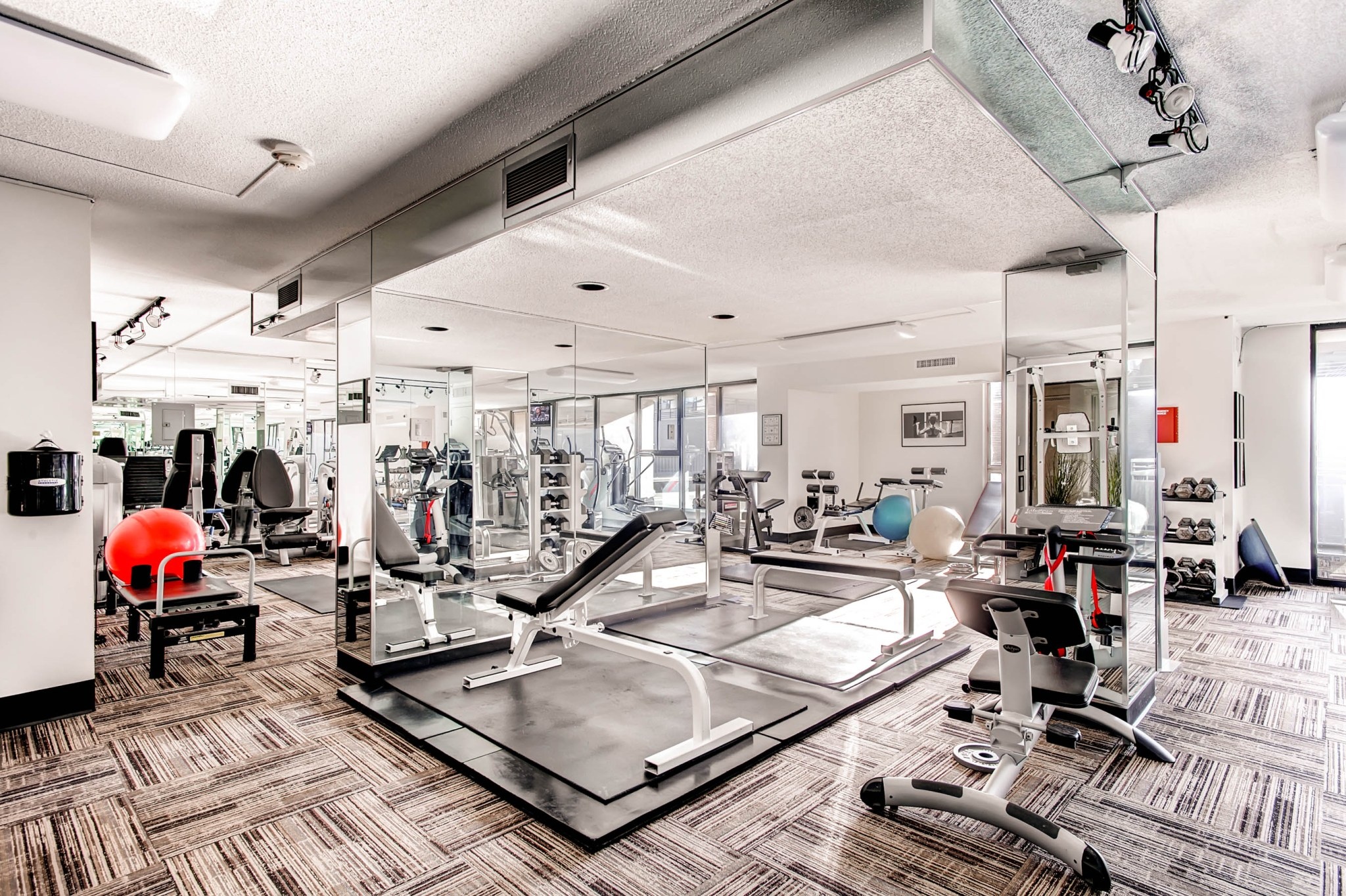 24-Exercise-Room