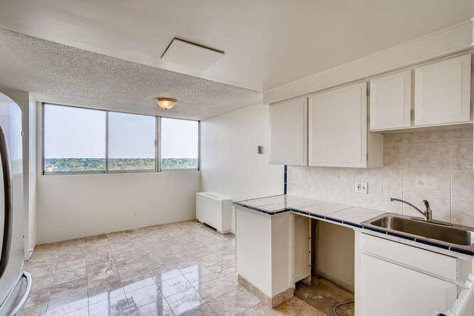 1155 Ash St 1407 Denver CO-small-011-009-Kitchen-666x444-72dpi