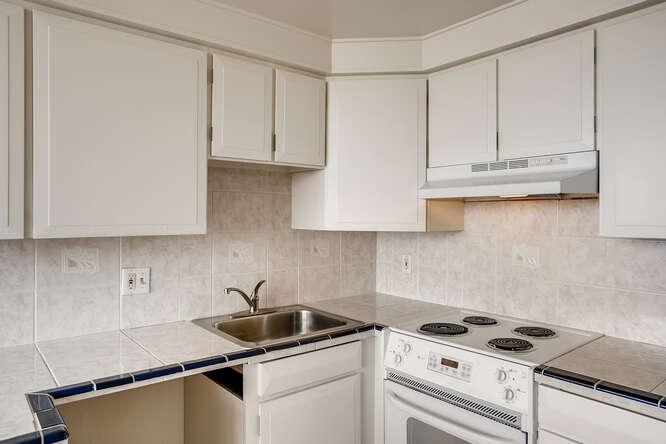 1155 Ash St 1407 Denver CO-small-014-014-Kitchen-666x445-72dpi