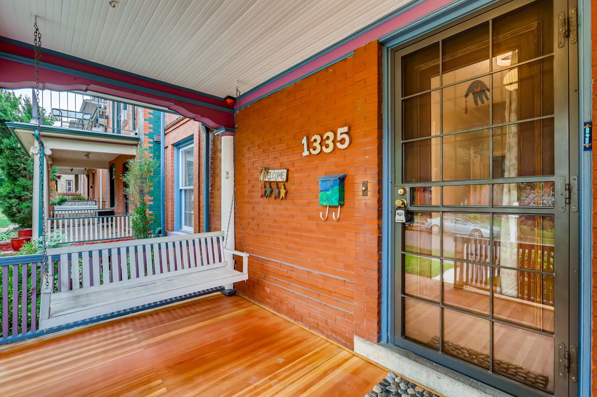 04-Front-Porch