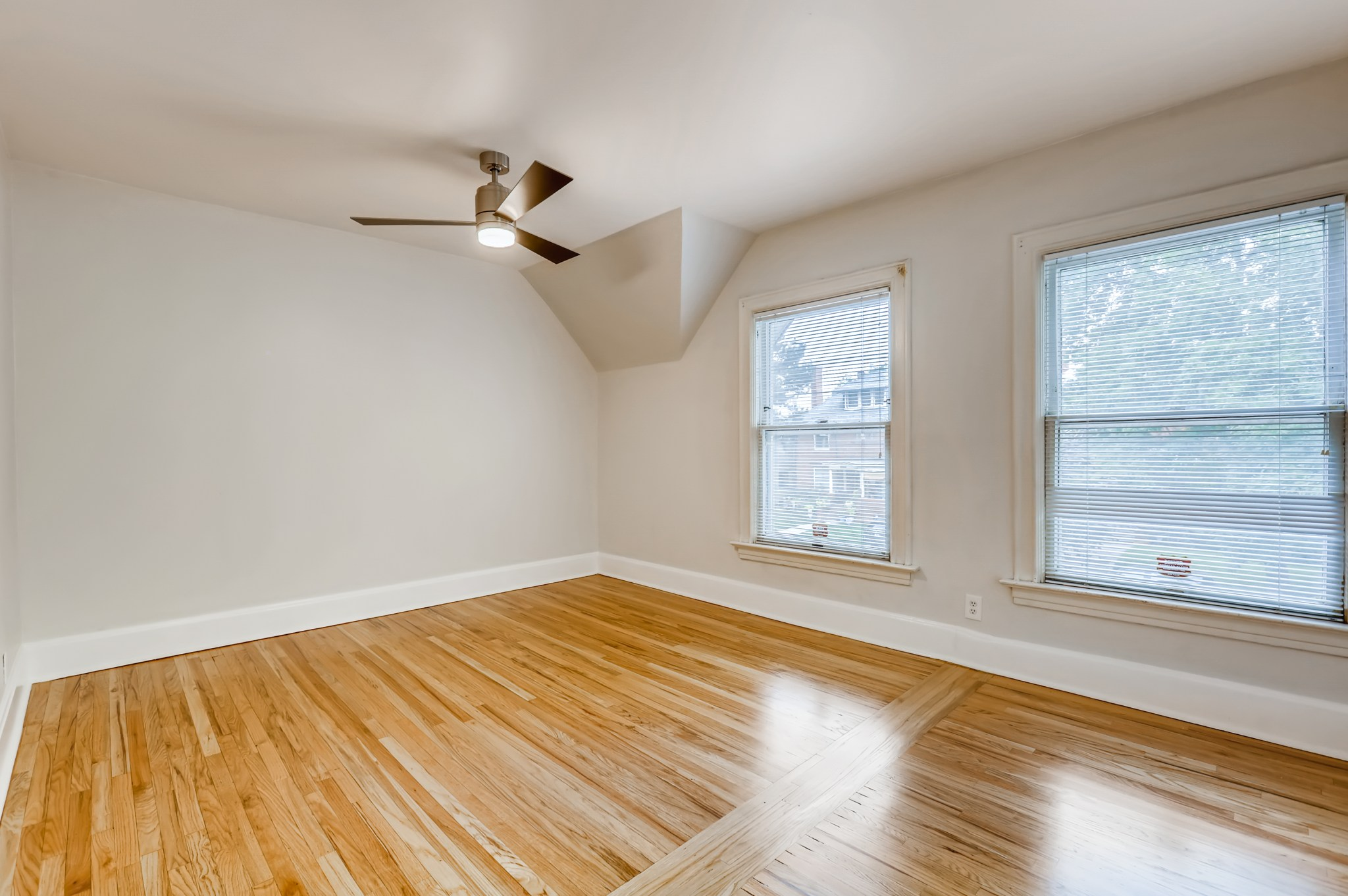 24-2nd-Floor-Primary-Bedroom