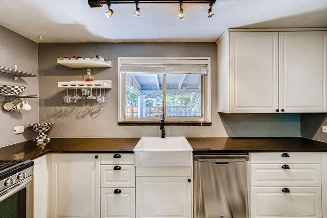 135 Niagara Denver CO 80220-small-013-012-Kitchen-666x445-72dpi