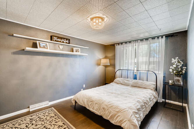 135 Niagara Denver CO 80220-small-018-018-Bedroom-666x445-72dpi