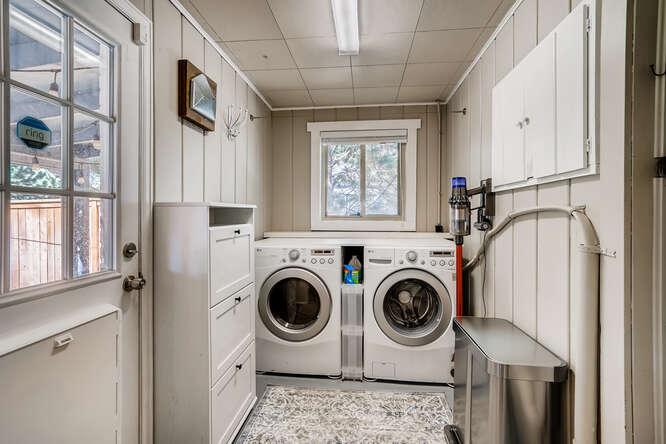135 Niagara Denver CO 80220-small-023-023-Laundry Room-666x445-72dpi