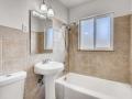 1520 Olive Denver CO 80220 USA-small-019-050-1516 Bathroom-666x445-72dpi