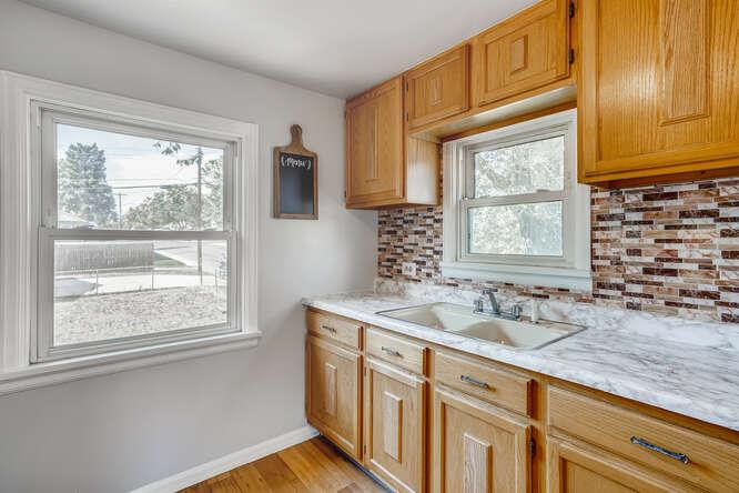 201 S Alcott Denver CO 80219-small-011-025-Kitchen-666x444-72dpi