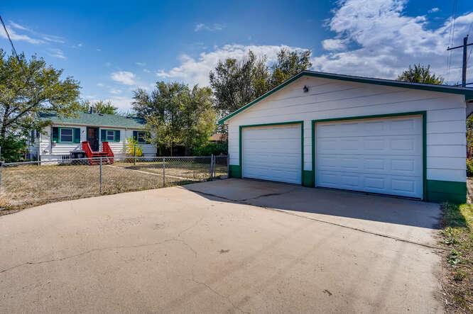 201 S Alcott Denver CO 80219-small-029-022-Garage-666x444-72dpi