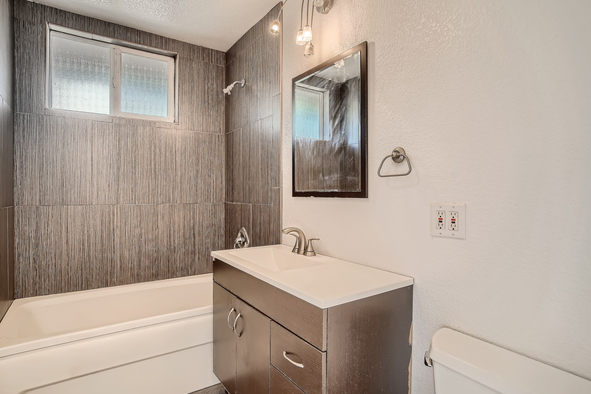 22-Primary-Bathroom
