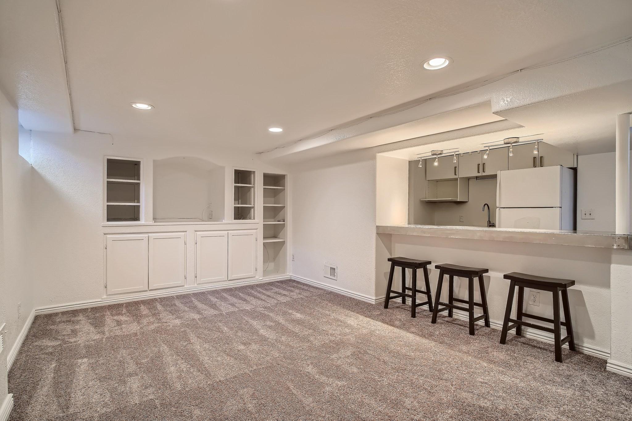 32-Lower-Level-Recreation-Room