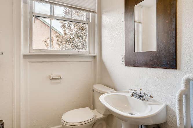 215 E 11th Ave C4 Denver CO-small-022-022-Bathroom-666x444-72dpi