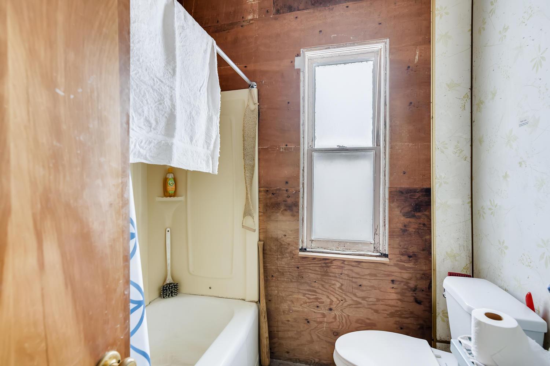 2177 S Bannock Denver CO 80223-large-019-020-Master Bathroom-1500x1000-72dpi