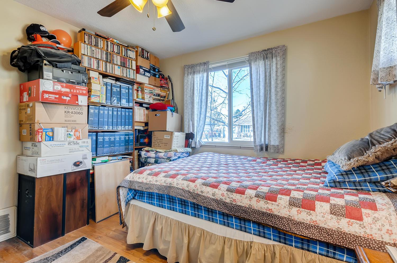 2216 S Clermont St Denver CO-large-017-012-Master Bedroom-1500x997-72dpi