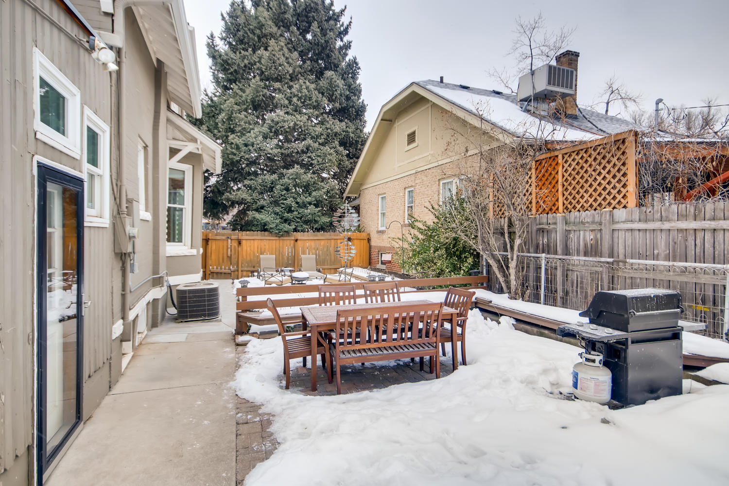 2333 Holly St Denver CO 80207-large-025-026-Patio-1500x1000-72dpi