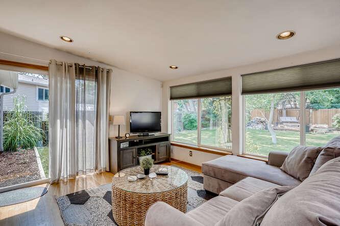 2486-S-Dillon-Street-Aurora-CO-small-005-005-Living-Room-666x445-72dpi