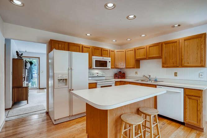 2486-S-Dillon-Street-Aurora-CO-small-007-006-Kitchen-666x444-72dpi