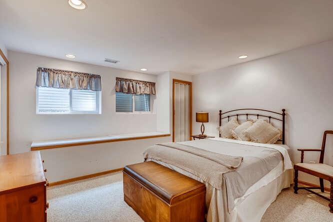 2486-S-Dillon-Street-Aurora-CO-small-017-014-Lower-Level-Bedroom-666x445-72dpi