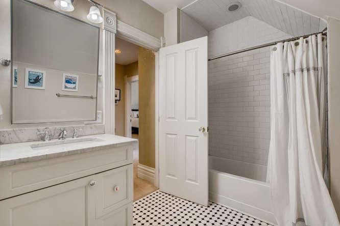 250 S Clarkson Denver CO 80209-small-019-017-2nd Floor Bathroom-666x444-72dpi