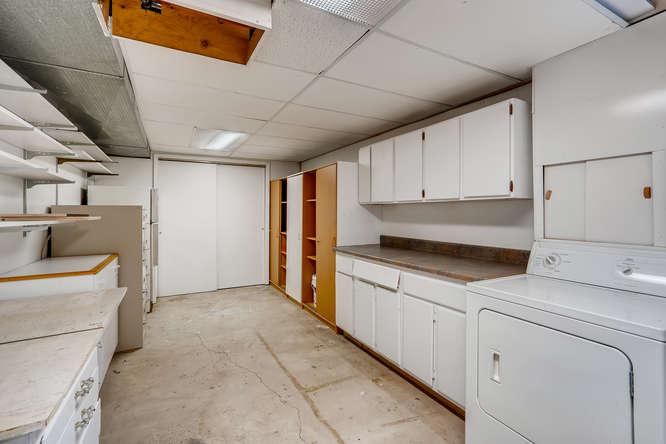 3403 S IVANHOE WAY Denver CO-small-024-014-Lower Level Laundry Room-666x445-72dpi
