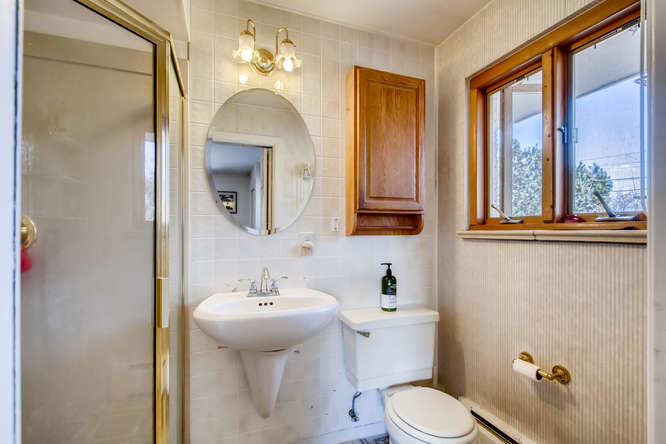 430 S Newport Way Denver CO-small-013-028-Master Bathroom-666x444-72dpi