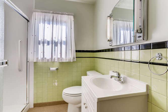 440 S Raleigh Street Denver CO-small-018-013-Bathroom-666x444-72dpi