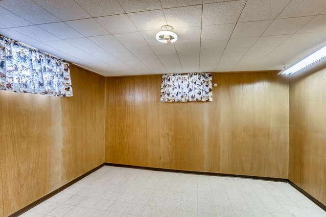 440 S Raleigh Street Denver CO-small-021-018-Lower Level Bedroom-666x444-72dpi