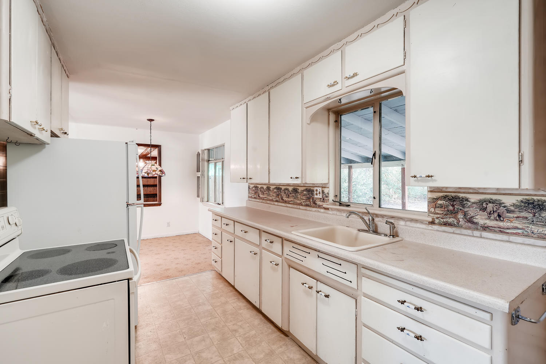 4586 E Dartmouth Avenue Denver-large-008-002-Kitchen-1500x1000-72dpi