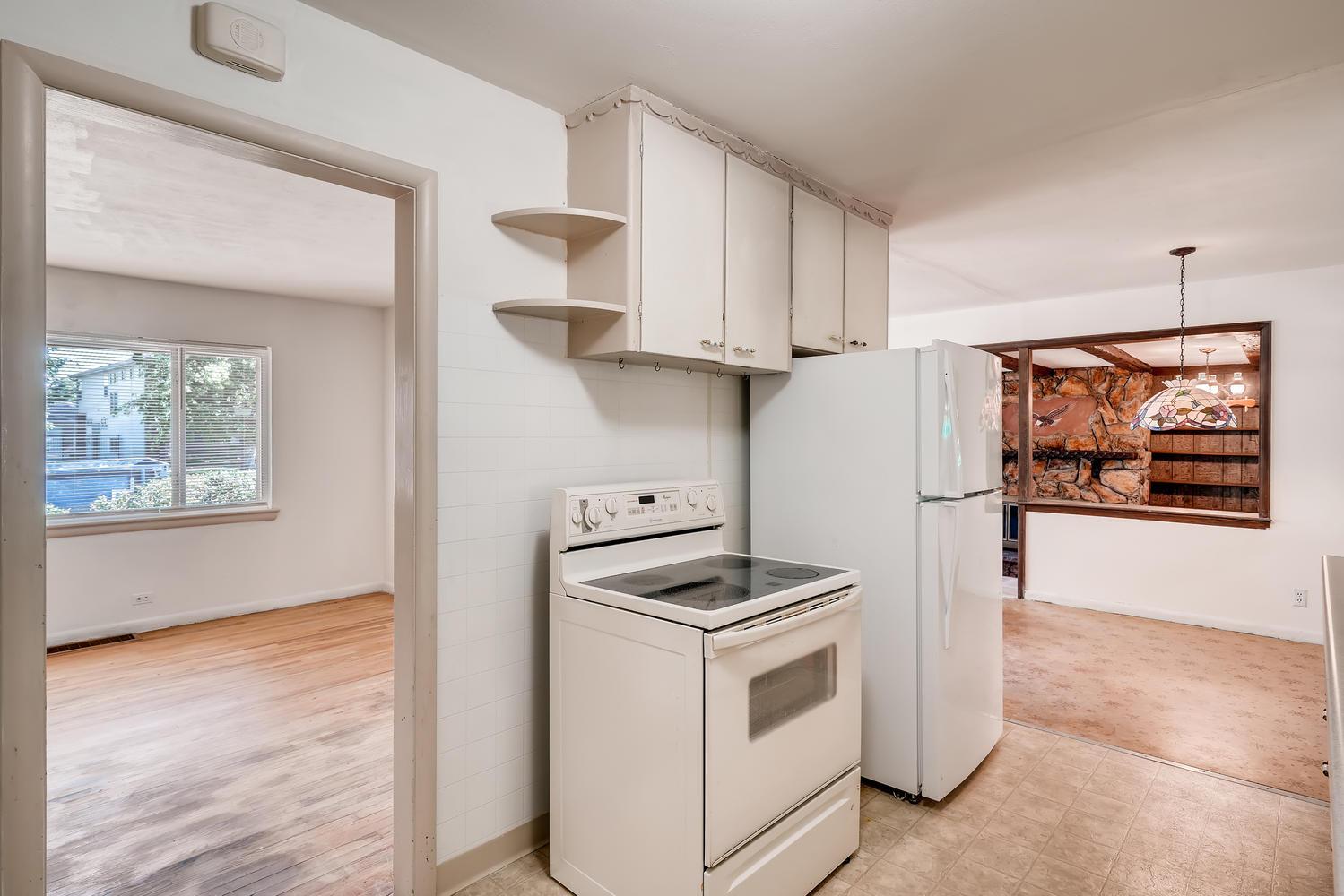 4586 E Dartmouth Avenue Denver-large-009-009-Kitchen-1499x1000-72dpi