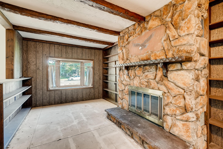4586 E Dartmouth Avenue Denver-large-013-015-Family Room-1500x1000-72dpi