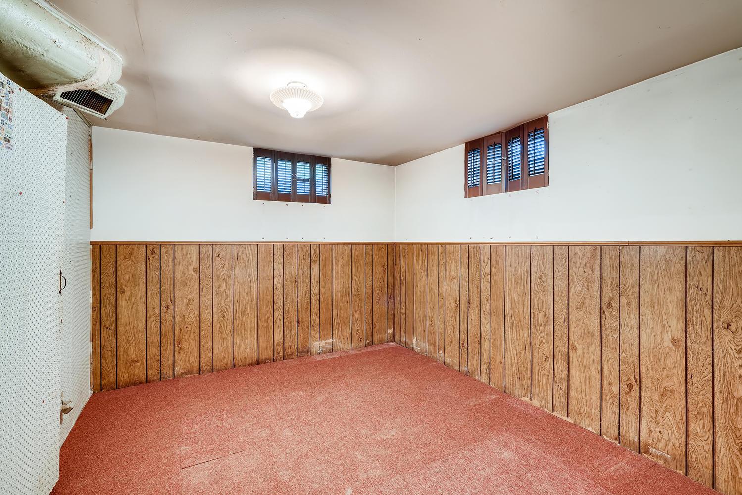 4586 E Dartmouth Avenue Denver-large-022-026-Lower Level Bedroom-1500x1000-72dpi