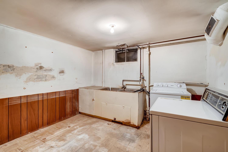 4586 E Dartmouth Avenue Denver-large-023-013-Lower Level Laundry Room-1500x1000-72dpi