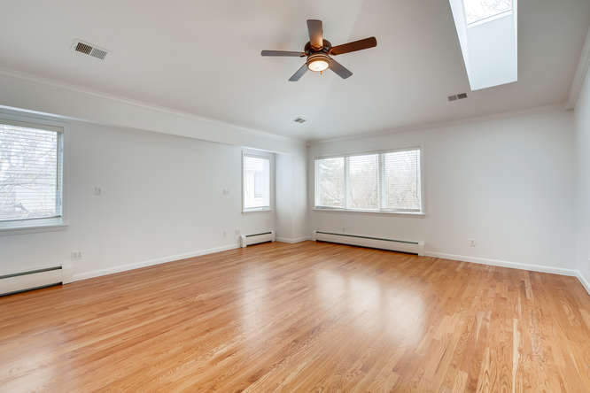 5000 E 2nd Ave Denver CO 80220-small-018-025-2nd Floor Master Bedroom-666x445-72dpi