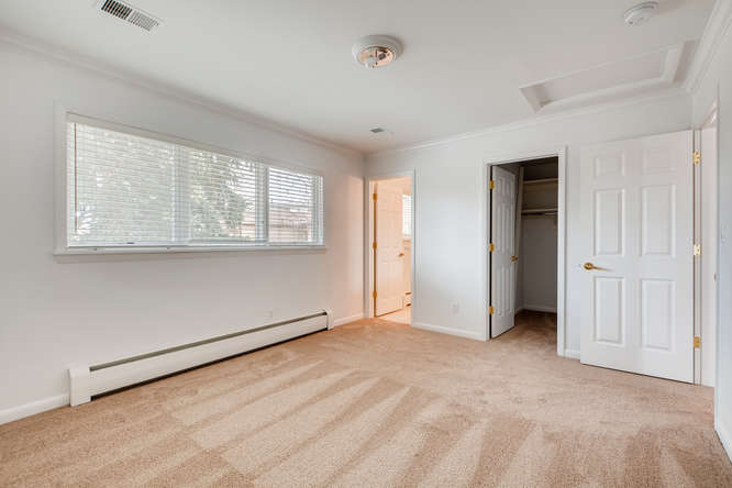 5000 E 2nd Ave Denver CO 80220-small-023-027-2nd Floor Bedroom-666x444-72dpi