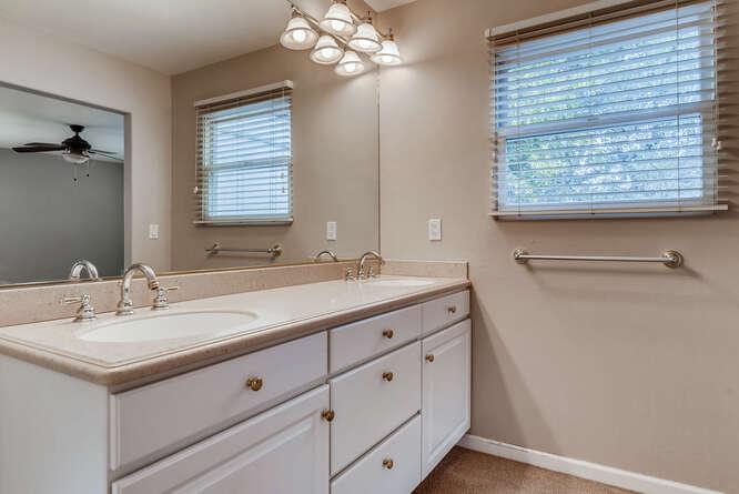 505 Fillmore St Denver CO-small-019-029-Master Bathroom-666x445-72dpi
