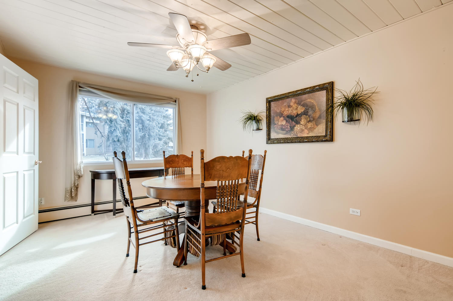665 S Clinton St 6A Denver CO-large-011-009-Dining Room-1500x997-72dpi
