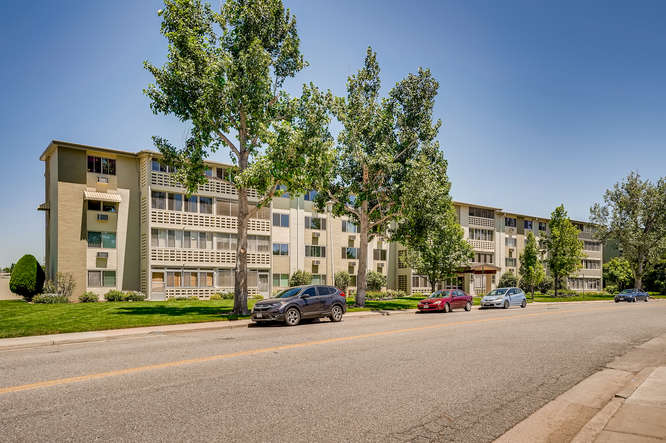 680 S Alton Way 7B Denver CO-small-004-007-Exterior Front-666x443-72dpi