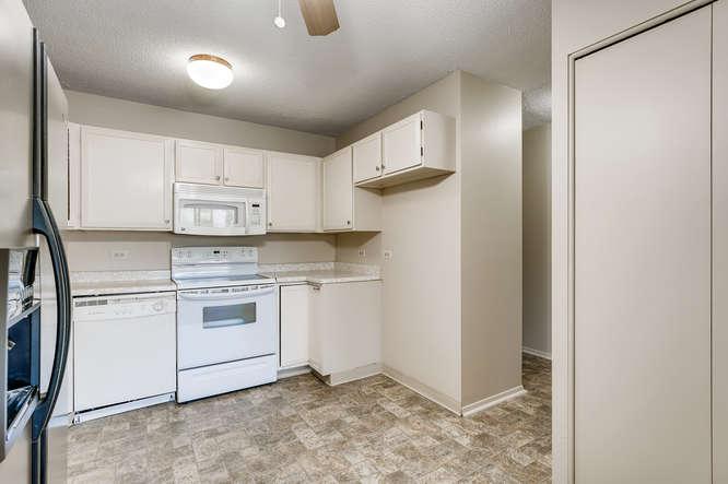 680 S Alton Way 7B Denver CO-small-013-028-Kitchen-666x444-72dpi
