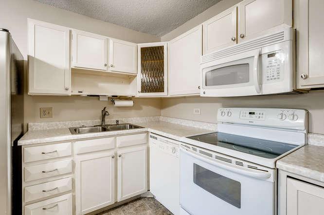 680 S Alton Way 7B Denver CO-small-014-016-Kitchen-666x443-72dpi
