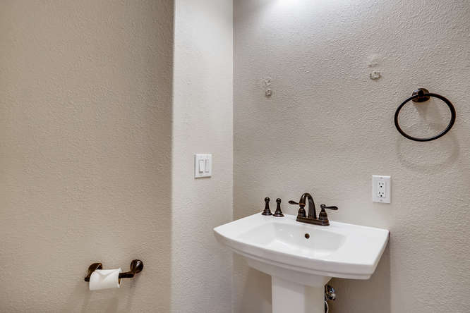 7142 S Versailles St Aurora CO-small-014-009-Powder Room-666x444-72dpi