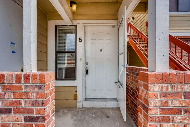 942 S Dearborn Way 5 Aurora CO-small-003-022-Exterior Front Entry-666x444-72dpi