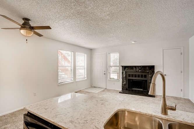 942 S Dearborn Way 5 Aurora CO-small-014-016-Kitchen-666x444-72dpi