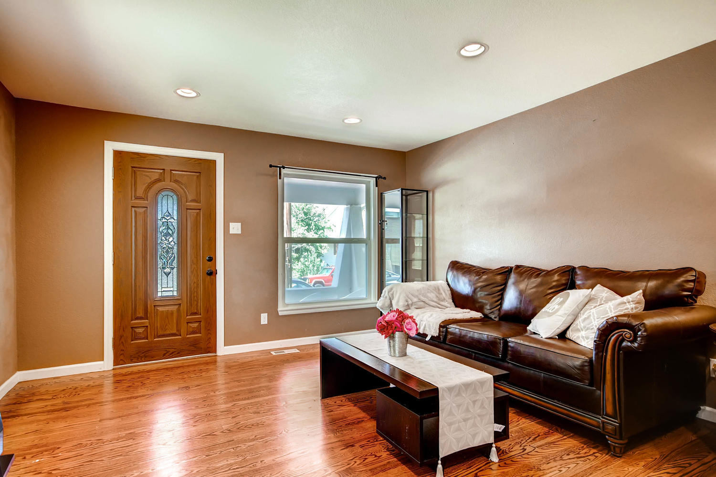 1046 Inca St Denver CO 80204 Large 007 12 Living Room 1500x1000 72dpi
