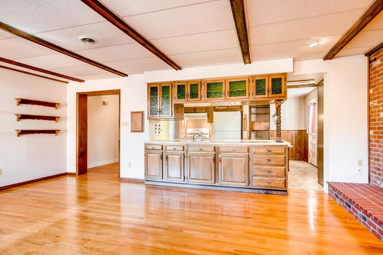 1125 Elm St Denver Co 80220 Large 015 19 Family Room 1500x1000 72dpi