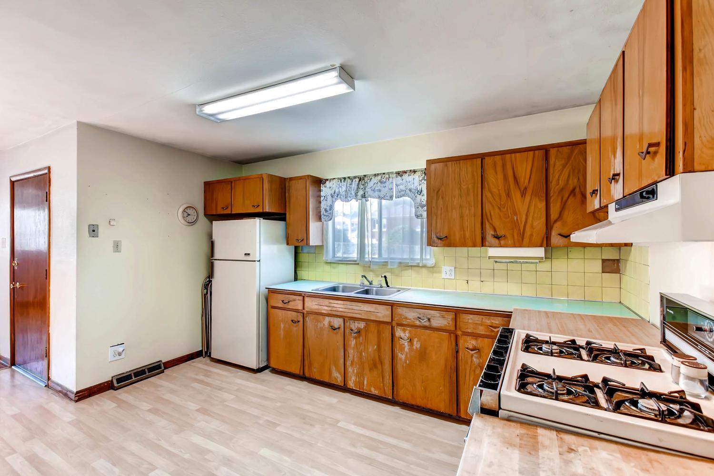 2685 W Gunnison Dr Denver CO Large 011 8 Kitchen 1500x1000 72dpi